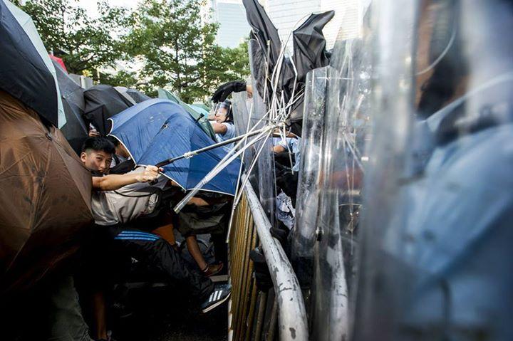 10313134_501933579943297_2166314604576375030_n[1]  爭民主!香港學生遭警方強力清場 10313134 501933579943297 2166314604576375030 n1