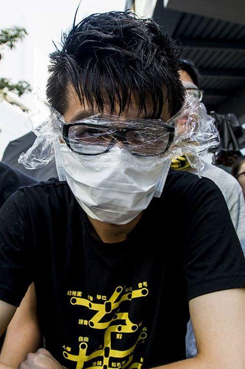 10352349_501933756609946_2700656063823037566_n[1]  爭民主!香港學生遭警方強力清場 10352349 501933756609946 2700656063823037566 n1