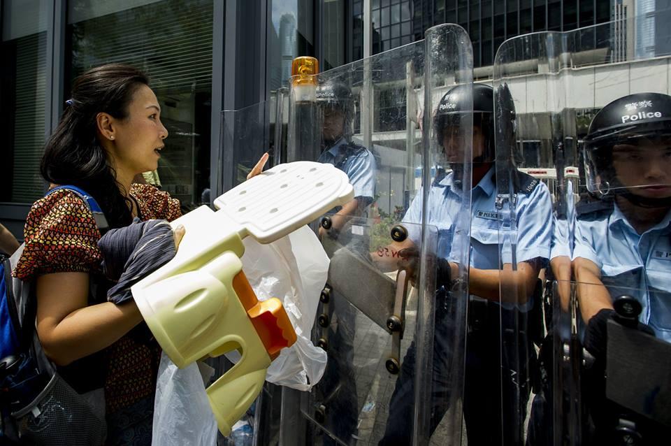 10523185_502027339933921_6114719689394706376_n  爭民主!香港學生遭警方強力清場 10523185 502027339933921 6114719689394706376 n