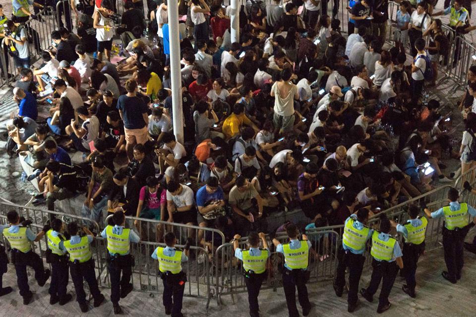 10592770_501932829943372_5092003851041344288_n  爭民主!香港學生遭警方強力清場 10592770 501932829943372 5092003851041344288 n