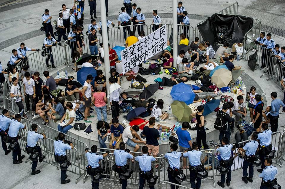 10650032_502027323267256_4499779026281083421_n  爭民主!香港學生遭警方強力清場 10650032 502027323267256 4499779026281083421 n