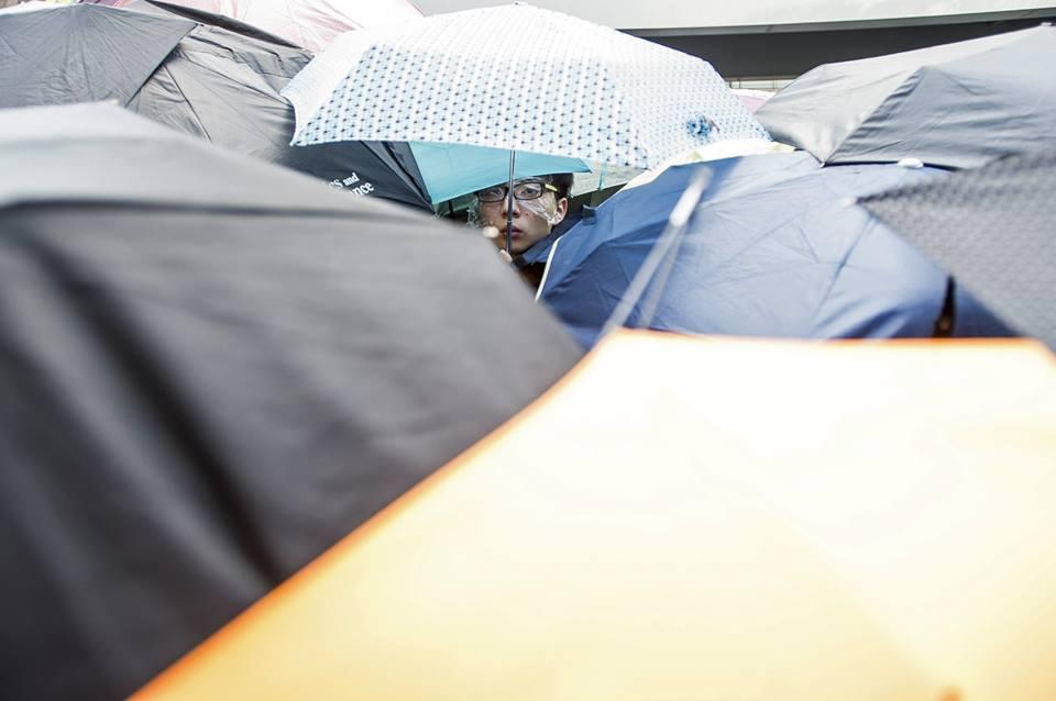 10686633_501933746609947_2891645299596569247_n  爭民主!香港學生遭警方強力清場 10686633 501933746609947 2891645299596569247 n