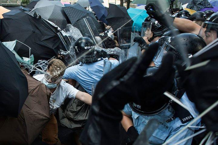 10703663_501933753276613_1657350437938728014_n[2]  爭民主!香港學生遭警方強力清場 10703663 501933753276613 1657350437938728014 n2