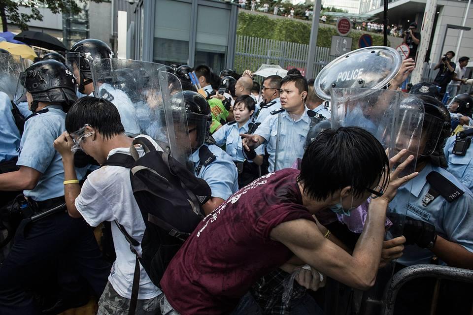 10703819_501933906609931_3118542196378825436_n  爭民主!香港學生遭警方強力清場 10703819 501933906609931 3118542196378825436 n