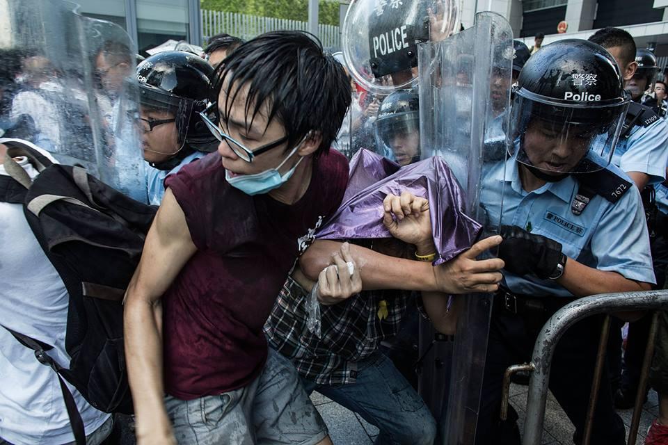 1794631_501933846609937_5706580601616269054_n  爭民主!香港學生遭警方強力清場 1794631 501933846609937 5706580601616269054 n
