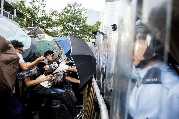 1962614_501933529943302_855094398349115495_n[1]  爭民主!香港學生遭警方強力清場 1962614 501933529943302 855094398349115495 n1