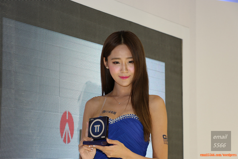 IMG_1990  [Show Girl] 2014台北國際攝影器材暨影像應用大展 IMG 1990