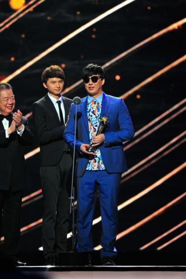 1435566180-gma26_best-taiwanese-male-singer_ricky-hsiao 第26屆金曲獎-頒獎典禮 20150627HD 第26屆金曲獎-頒獎典禮 20150627HD 1435566180 gma26 best taiwanese male singer ricky hsiao