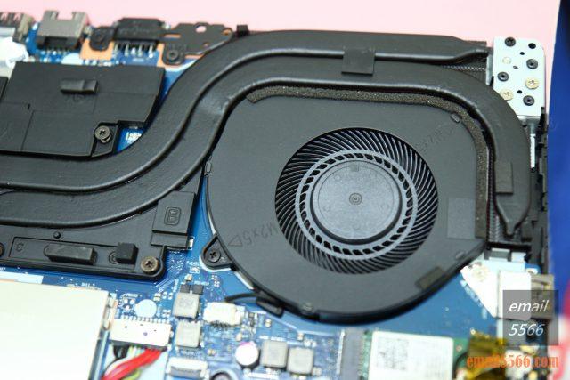聯想 Legion Y540 電競筆電-GTX 1650+I5H+144Hz 窮人專用機 26888-GPU 散熱區、CPU 散熱區。兩根熱導管引導廢熱至散熱鰭片,並替記憶體與供電模組散熱。 legion y540 聯想 Legion Y540 電競筆電-GTX 1650+I5H+144Hz 窮人專用機 26888 IMG 4301 640x427