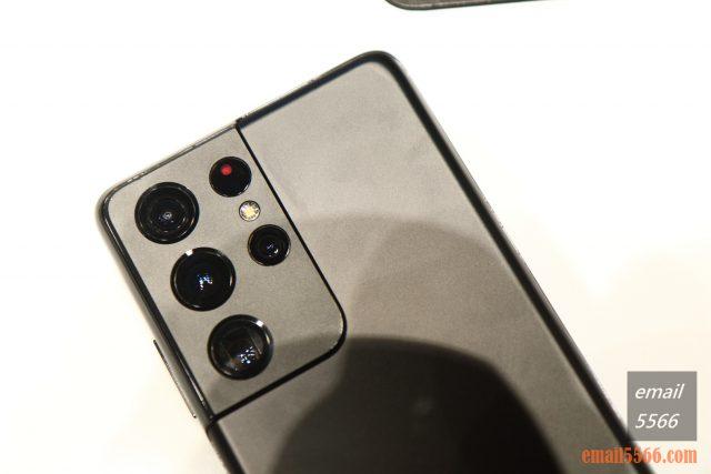 2021 Galaxy S21 5G旗艦系列手機體驗會-Pro級攝影、高解析高螢幕更新-機的金屬邊框直接延伸到整個相機模組