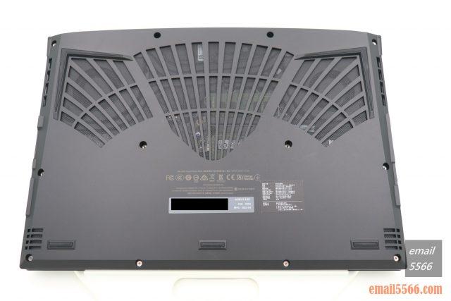 技嘉 AORUS 15P 極速神鷹 電競筆電 開箱-3080顯卡電競、360Hz螢幕更新-筆電底部