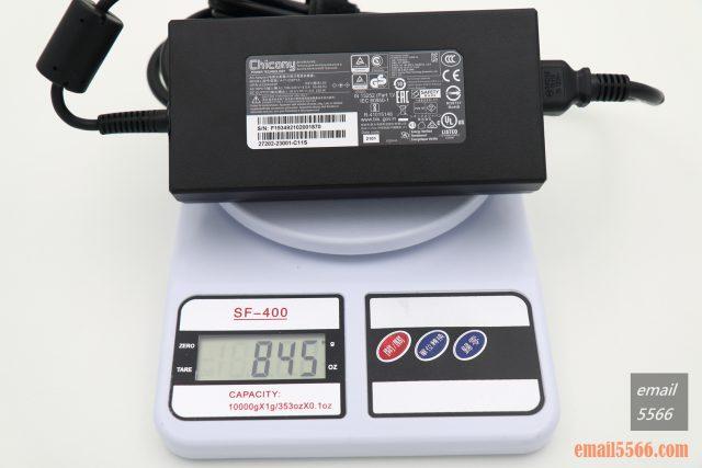 技嘉 AORUS 15P 極速神鷹 電競筆電 開箱-3080顯卡電競、360Hz螢幕更新-專用變壓器及電源線重量