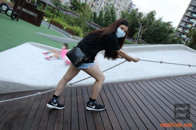 運動推薦 中筒繃帶籃球襪 -EGX衣格服飾 為運動而生-完整保護運動部位